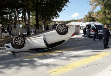 Tatvan'da trafik kazası 5 yaralı