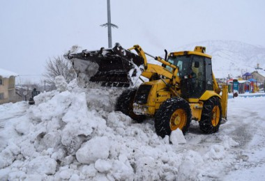 Mutki Belediyesi karla mücadele çalışmaları