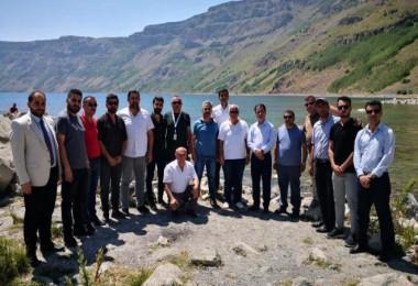 Iraklı turizmciler Tatvan, Ahlat ve Adilcevaz'ı ziyaret etti