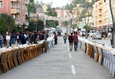 Hizan'da 1500 kişilik iftar programı düzenlendi