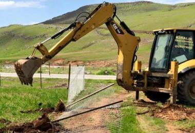 Güroymak'ta işkal edilen arazilere kaymakamlık el koydu