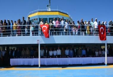 Denizcilik bayramı Tatvan'daki Türkiye'nin en büyük feribotunda kutlandı
