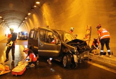Bitlis'te gerçeği aratmayan trafik kazası tatbikatı