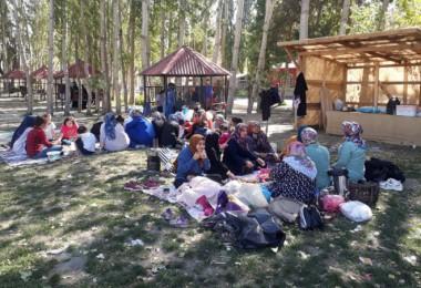 Bitlis Belediyesi kadınlara özel gezi düzenledi