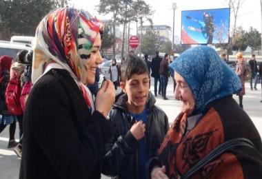 Tatvan'da Pi Günü dolayısıyla sokak röportajı yapıldı