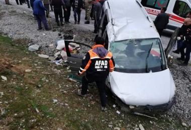 Bitlis'te meydana gelen trafik kazasında 1 kişi öldü 4 kişi yaralandı