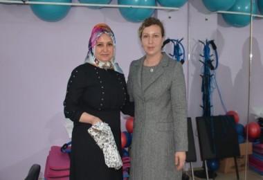 Tatvan'da Anneler Günü programı düzenlendi