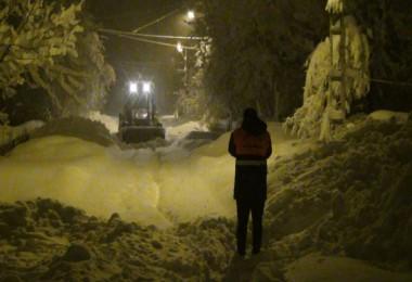 Tatvan'da alarm verildi, belediye ekipleri kar nöbetinde