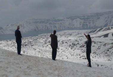 Nemrut yolunda kar kalınlığı 8 metre