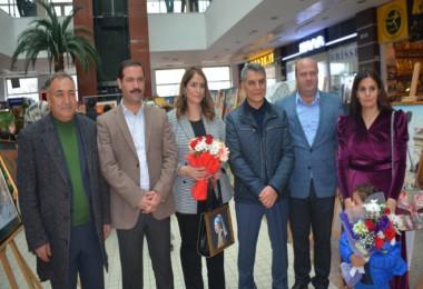 Tatvan'da resim ve fotoğraf sergisi düzenlendi