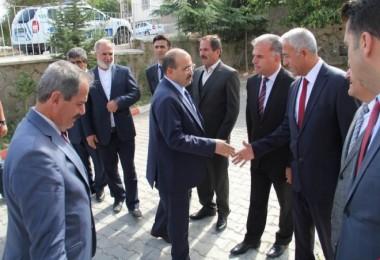 Vali Ustaoğlu Adilcevaz'ı ziyaret etti