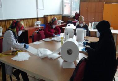 Tatvan Belediyesi maske üretimine başladı