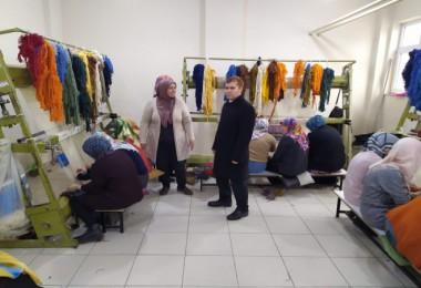 Tatvan'da kadınlara yönelik 'Halı Dokuma Kursu' açıldı
