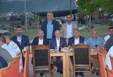 Sürücü kursu federasyonu tarafından Tatvan'da iftar yemeği düzenledi