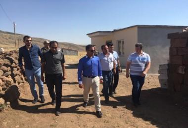Güroymak Kaymakamı Alibeyoğlu, engelli vatandaşa ev yaptırdı