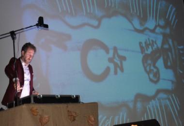 Tatvan'da kum sanatı gösterisi ve müzik dinletisi programı düzenlendi