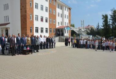 Tatvan'da 1503 öğretmen ile 22897 öğrenci ders başı yaptı