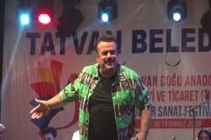 Bülent Serttaş Tatvan'da konser verdi