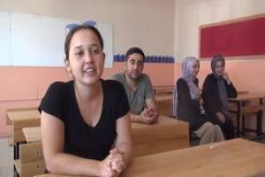 Köy okulunun fedakar öğretmenleri okullarını eğitime hazırlıyor - Bitlis Bülten