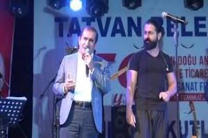 Koray Avcı Tatvan'da konser verdi