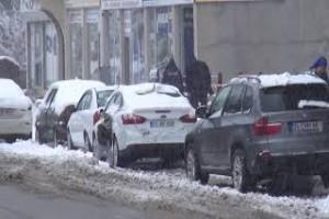 Kar yağışı Tatvan'ı beyaza bürüdü - Bitlis13haber