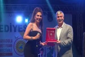 Ebru Yaşar'ın Tatvan konseri