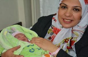 Tatvan'da 29 Şubat bebeği mutluluğu